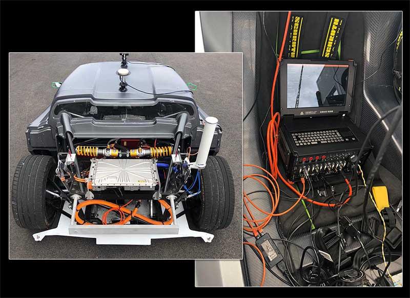 MTech Conception et développement de véhicule - Avant d'un Prototype sur route et ordinateur dans l'habitacle